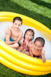 kids pool lawn